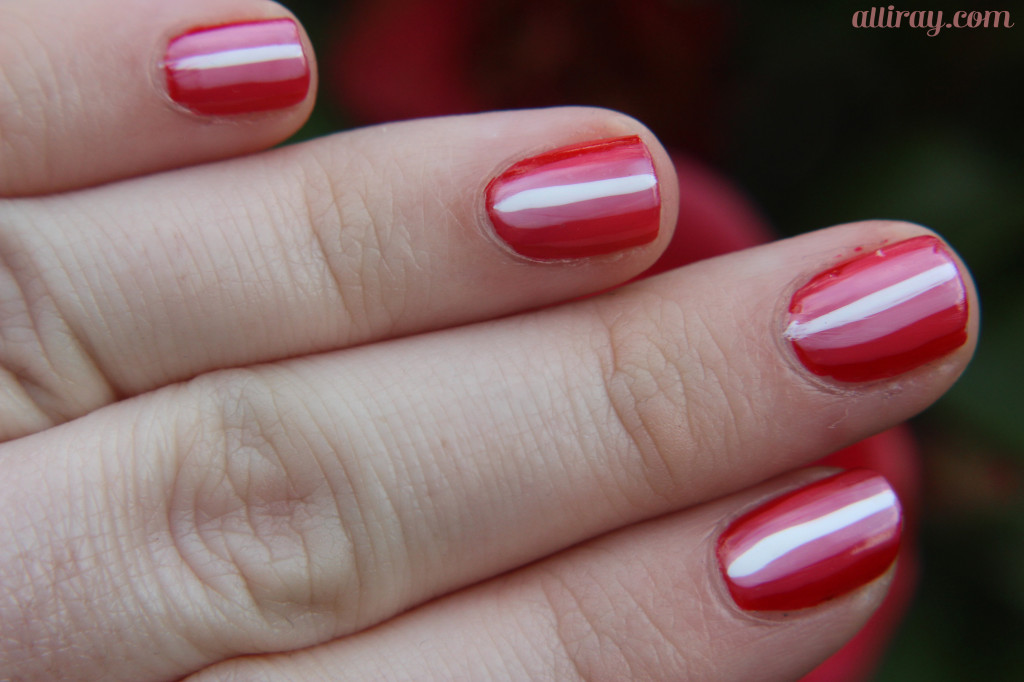 red nails 2
