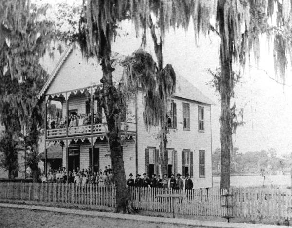 Lake City Institue on Lake Desoto 1892